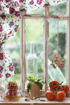 Summer Windows with Tomatoes in the sill, drying flowers..so much like grandma. Vintage