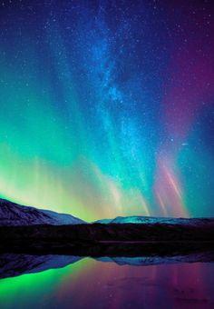Aurora australis (Southern Light) over icebergs Bellingshausen Sea - Ellsworth Land Antarctica; Aurora australis (Southern Light) over icebergs ~ zacharycellis Beautiful Sky, Beautiful World, Beautiful Places, All Nature, Amazing Nature, Aurora Borealis, Northen Lights, Natural Phenomena, Nature Pictures