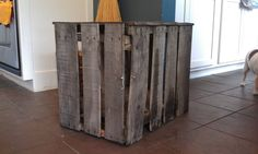 Pallet side table/dog kennel.