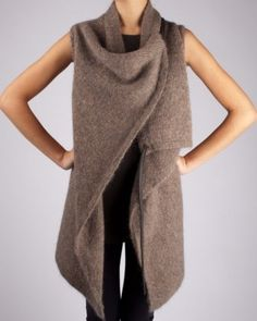 winter: earth tone chunky cashmere cardigan, leggings, t-shirt
