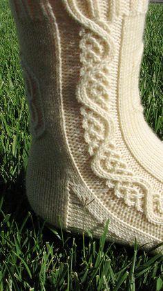 Galadriel pattern by Claire Ellen - Stirnband Stricken Knitting Stiches, Cable Knitting, Knitting Socks, Hand Knitting, Knitting Patterns, Knitting Projects, Knitting Tutorials, Knit Stitches, Knitting Machine