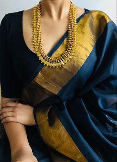 Indian Attire, Indian Wear, Indian Outfits, Choli Blouse Design, Saree Blouse Designs, Cotton Lehenga, Saree Jewellery, Fancy Blouse Designs, Stylish Sarees