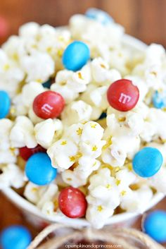 Patriotic White Chocolate Popcorn - A Pumpkin And A Princess