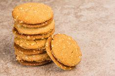 Így használd a mogyoróvajat sütikhez! | Mindmegette.hu Cookies, Desserts, Food, Crack Crackers, Tailgate Desserts, Deserts, Biscuits, Essen, Postres