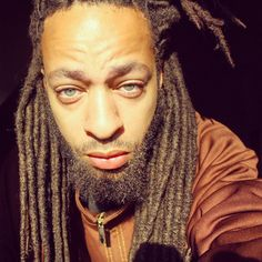 Those brown locs, that nice beard and them piercing eyes . Natural Hair Growth, Natural Hair Styles, Freeform Dreads, Afro Men, Beautiful Dreadlocks, Love Natural, Natural Beauty, Awesome Beards, African American Men