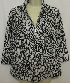 Chicos Zenergy Womens Animal Print Jacket Neema 0 XS 4/6 Black White Zipper Coat #Chicos #BasicJacket