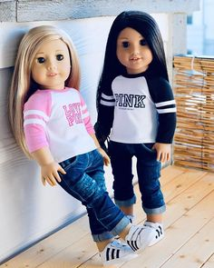 Jeans are sold out. Original American Girl Dolls, Ropa American Girl, Custom American Girl Dolls, American Girl Doll Pictures, American Girl Crafts, American Doll Clothes, Ag Doll Clothes, Doll Clothes Patterns, Clothes Crafts