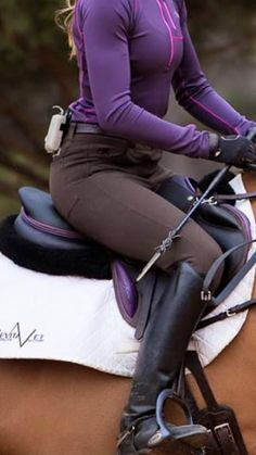 www.horsealot.com, the equestrian social network for riders & horse lovers | Equestrian Fashion : Devoucoux saddle.