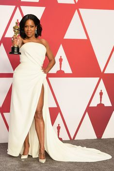 Regina King in Oscar de la Renta at the Academy Awards 2019 Academy Award Winners, Oscar Winners, Academy Awards, Regina King, Oscar Gowns, Oscar Dresses, Celebrity Pictures, Celebrity Style, Award Show Dresses