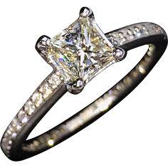 STUNNING Perfect 18kt Princess-Cut Diamond Engagement Ring