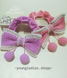 Cutie Bow Pattern with Scrunchie chart pattern assembling works . Crochet Bow Pattern, Crochet Bows, Crochet Gifts, Crochet Flowers, Crochet Patterns, Crochet For Kids, Free Crochet, Crochet Hair Accessories, Crochet Christmas Decorations