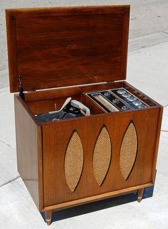 "1960 Philco Model 1814 ""The Miss America"" & RT-400 Stereo"