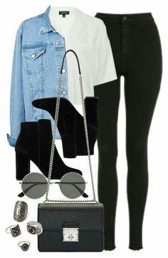 Calças pretas + camisa branca + casaco de ganga clara + botins pretos tachas