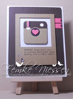 made by femke niessen: CAS (Clean and Simple) snapshot card. MFT stamps: captured memories, woodgrain, graph paper notes. MFT dienamics: blueprints 6 en 8, instaframe, cute cameras 2.