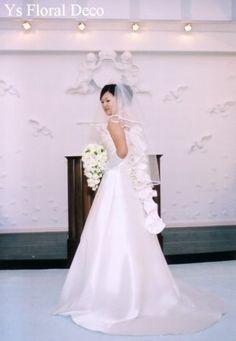 バラのティアドロップブーケ コルディアーレ青山挙式の新婦さんへ