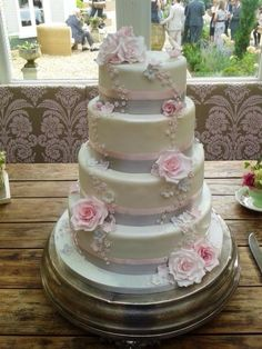 Wedding Wishing Well - Cake by Sylvania Cakes - Exeter
