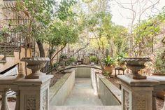 Jardín. Casa adosada en un oasis de tranquilidad en la salut barcelona