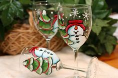 Hand Painted Snowman Wine Glasses | www.karasglassgardencayman.com