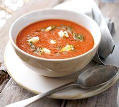 Tomaten-Curry-Creme mit Ziegenfrischkäse