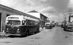 1952 - Garagem de ônibus no bairro da Lapa.