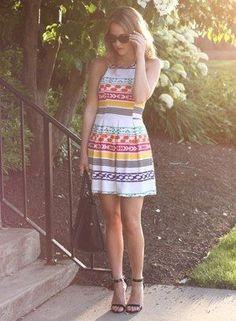 Vestido con diseño colorido