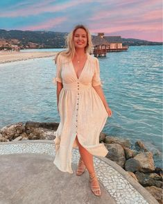 Image may contain: 1 person, ocean, sky, outdoor and water Holiday Dresses, Summer Dresses, Holiday Looks, Curvy Models, Daily Look, Free People Dress, Wrap Dress, Plus Size, My Style