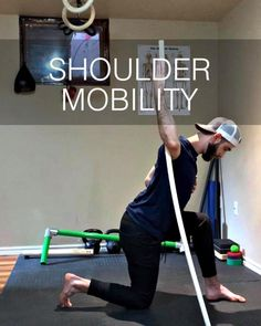 Try these shoulder stretches for the rotator cuff (external rotation) shown here by Human strength and mobility coach Dan Jones. Shoulder Mobility Exercises, Rotator Cuff Exercises, Shoulder Stretches, Pelvic Floor Exercises, Stretching Exercises, Static Stretching, Dynamic Stretching, Shoulder Range Of Motion, Shoulder Pain Relief