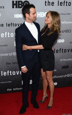 Theroux proud of how Aniston handles media stress