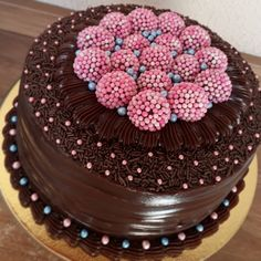 Image may contain: dessert and food Cake Recipes At Home, Dessert Recipes, Hazelnut Cake, Cake Truffles, Fancy Cakes, Savoury Cake, Cookies Et Biscuits, Creative Cakes, Celebration Cakes