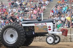 Looking for a full pull this tractor puller hopes to go the distance! Truck And Tractor Pull, Tractor Pulling, Old Tractors, John Deere Tractors, Full Pull, Truck Pulls, International Harvester, County Fair, Steam Engine
