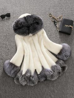 Compra Winter Furry Fashion Women Hooded Coat Faux Fur White Black Rabbit Mink Fur Casual Overcoat en Wish- Comprar es divertido Faux Fur Hooded Coat, Fox Fur Coat, Fur Coats, Hooded Coats, Fur Casual, White Fur Coat, Black Coats, Fur Jacket, Leather Jacket
