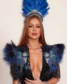 The most awe-inspiring beauty looks from Rio Carnival that will inspire this years festival looks - Actress Mariana Ruy Barbosa for Vogue's annual Carnival ball - Carnival Fashion, Carnival Dress, Carnival Outfits, Rio Carnival Costumes, Carnival Headdress, Mardi Gras Outfits, Mardi Gras Costumes, Burning Man Fashion, Burning Man Outfits