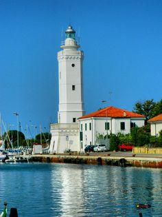 Porto Canale, Lighthouse in Rimini, / Il Faro di Rimini /, Italy, Nikon Coolpix L310, 23.2mm, 1/250s, ISO80, f/13.4, -0.7ev, HDR photography, 201707131651