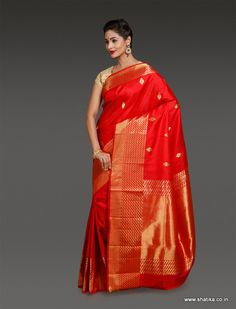 The uniqueness of Shilpa Red and Gold Uppada Silk Saree is that the richness of a rich texture as that of Uppada soft silk is brought out notably just as it aids and accentuates the beauty of color red. Cotton Sarees Online, Buy Sarees Online, Soft Silk Sarees, Handloom Saree, Silk Thread, Saree Collection, Indian Sarees, Saree Blouse, Color Red