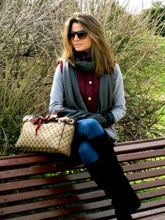Fashion and Style Blog / Blog de Moda . Post: My Burgundy Vest from Primark / Mi Chaleco Burdeos de Primark See more/ Más fotos en : http://www.ohmylooks.com/?p=6255 by Silvia García Blanco