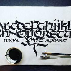 blackletter calligraphy Gothic Lettering, Chicano Lettering, Graffiti Lettering Fonts, Tattoo Lettering Fonts, Lettering Styles, Typography Letters, Lettering Design, Hand Lettering, Graffiti Alphabet