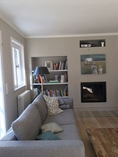 Wohnzimmer in einem idyllischen Waldhaus in 'Lascaux' gestrichen