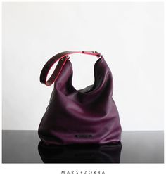 Mars+Zorba Olympia Plum Hobo #leather #calfskin #handbags #hobo #tote #plum #ciruela #carteras #cuero #buenosaires #design #designer #fashion #stylish