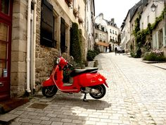 Vespa on a cobbled street (Auray, Brittany, France) by Colm O Laoi, via Flickr #Vespa #ridecolorfully