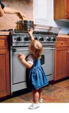 Prince Lionheart - Stove Guard Protect your child from scalds and burns! Adjustable stove guard puts a barrier between your child's fingers and stovetop hazards - hot pots and open flames. Home Safety, Baby Safety, Child Safety, Stove Guard, Toddler Proofing, Baby Proofing Ideas, Prince Lionheart, Childproofing, Baby Time