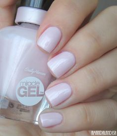 sally hansen Plush Blush is a powdery, cool-toned shade with the same lovely pearly shimmer as Regal Rosé.