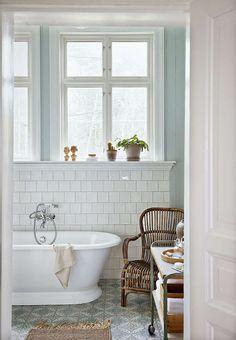 54 Ideas for bath room window ledge decor bathtubs Upstairs Bathrooms, Laundry In Bathroom, Dream Bathrooms, Beautiful Bathrooms, Serene Bathroom, Paint Bathroom, White Bathroom, Window Ledge Decor, Room Window