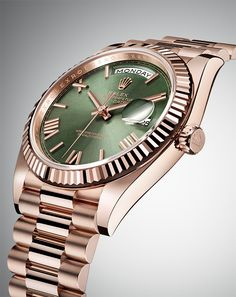 Designed specially for the Rolex Day-Date at its launch, the elegant President bracelet is inherent to the standing of the model. A new concealed attachment beneath the bezel ensures seamless visual continuity between the bracelet and case, for a final aesthetic and functional touch to this sumptuous bracelet.