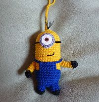 This Minion is made by Stefanie Prautzsch. The pattern is a free Ravelry download. Check out the other free minion patterns in this directory.