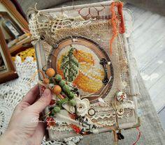 Привет!     Теперь и у меня появилась вот такая древняя, потрепанная временем, но от этого не менее душевная ароматная кулинарная книга. Х...