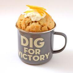 Cakes and Catwalks: Recipe: Orange and lemon cheesecake mug cake Single Serve Desserts, Single Serving Recipes, Mini Desserts, Cupcakes, Cupcake Cakes, Jar Cakes, Lemon Cheesecake, Cheesecake Recipes, Dessert In A Mug