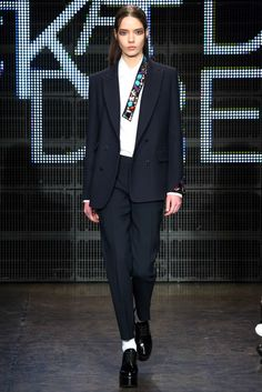 DKNY   Fall 2015 Ready-to-Wear   22 Blue suit and white long sleeve shirt