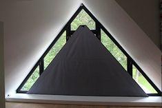 SunSquare® binnen toegepast als maatwerk raamverduistering Restaurant Specials, Curtains With Blinds, Window Coverings, Home Projects, Outdoor Gear, Ramen, Tent, Windows, House