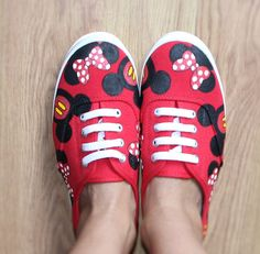 19fef90d8e5d8f Mickey mouse and Minnie heads bow Disney Park Custom hand painted canvas  canvas lace up shoes sneakers zapatillas pintadas