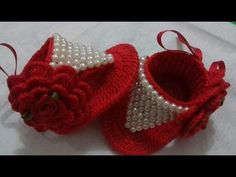 1 million+ Stunning Free Images to Use Anywhere Crochet Baby Sandals, Crochet Shoes, Crochet Baby Booties, Diy Crochet, Crochet Baby Dress Pattern, Crochet Patterns, Hello Kitty Crochet, Baby Socks, Crochet Videos